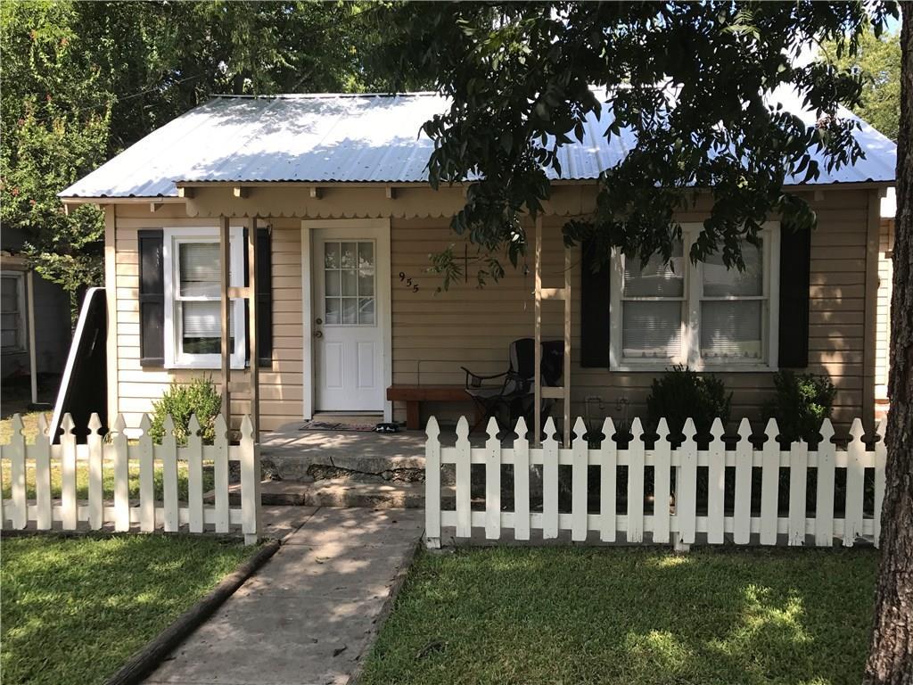 955 N Stephen Avenue, Stephenville, TX 76401