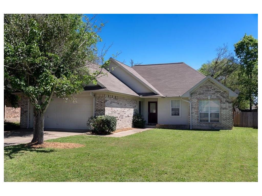 1002 Bayou Woods Drive, College Station, TX 77840