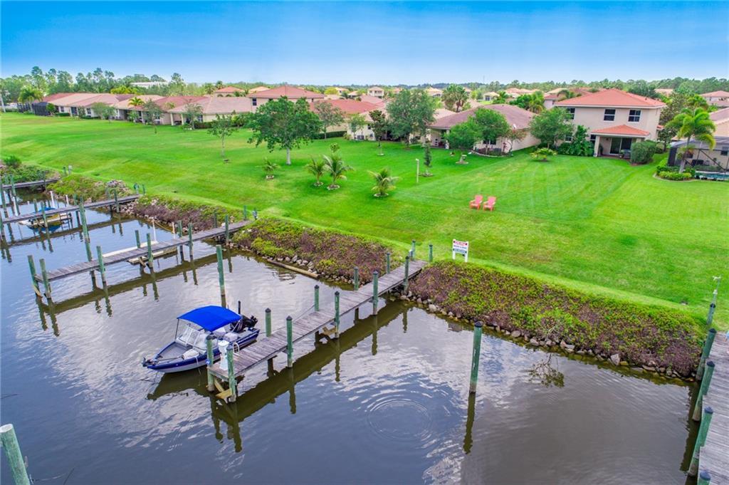 3285 SE Porpoise Circle, Stuart, FL 34997