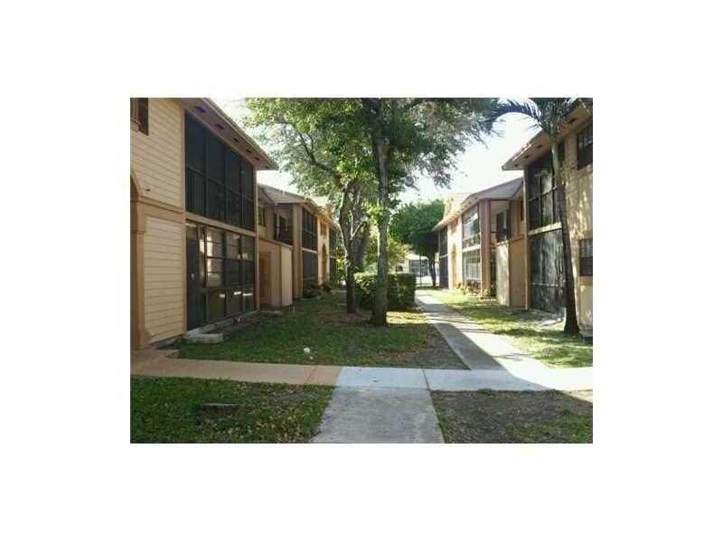 18875 NW 62nd Ave 203, Hialeah, FL 33015
