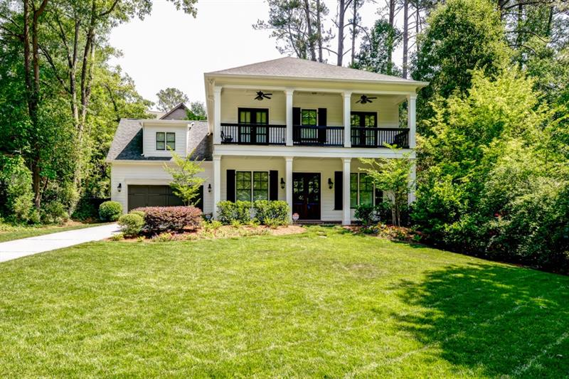 Dble front porches greet w/ Southern charm @ this Blake Shaw built home. Kitchen feat s/s apps,granite counters,glass backsplash,island w/ b'fast bar,walk-in pantry, butler's pantry,&b'fast area. Fam rm boasts coffered ceiling,FP,& built-ins. Din rm perfect for entertaining. Priv study on main. Master has bonus/sitting rm,huge closet w/ custom shelving,&spa bath w/ dual vanities,jetted tub,&sep shower. Add'l bdrms well-sized & bright. Laundry up. Screened porch great for outdoor enjoyment. 2 car garage.Amazing B'haven location close to interstates,shopping,&restaurants!
