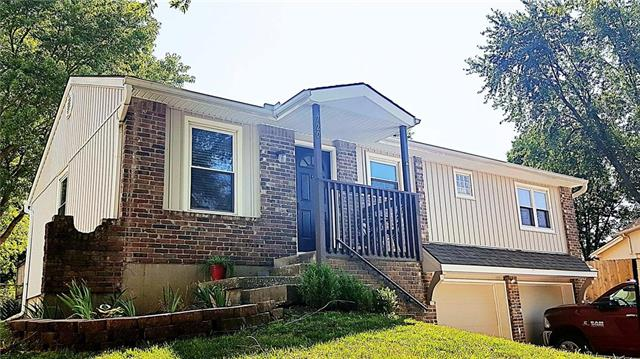 720 NW Devonshire Place, Blue Springs, MO 64015