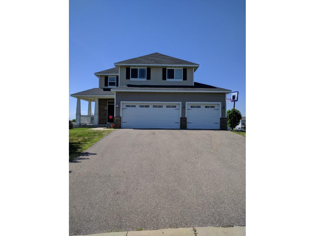 1015 Golden Oak Street NE, Lonsdale, MN 55046