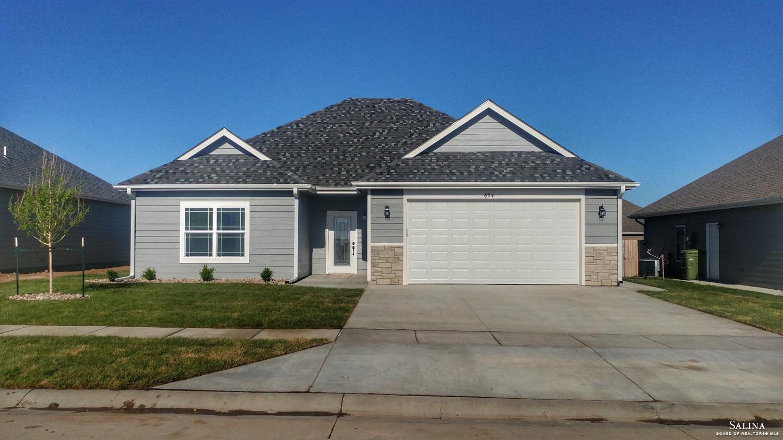 624 Prairie Lane, Salina, KS 67401