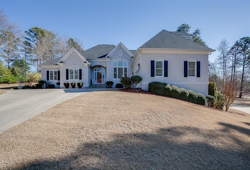 4604 Royal Lakes Drive, Flowery Branch, GA 30542