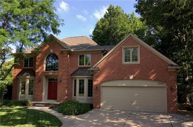 2063 OAKWOOD Drive, Troy, MI 48085