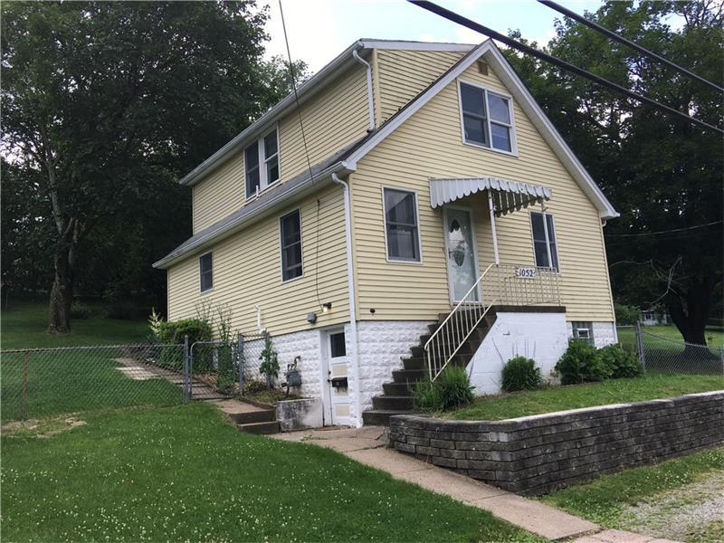 1052 Franklin Dr, Bethel Park, PA 15102