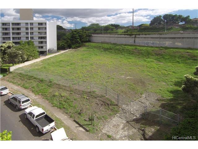 2965 Ala Napuaa Place, Honolulu, HI 96818