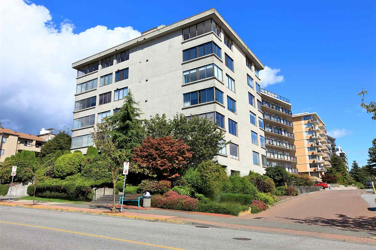 460 14TH STREET 302, West Vancouver, BC V7T 2W1