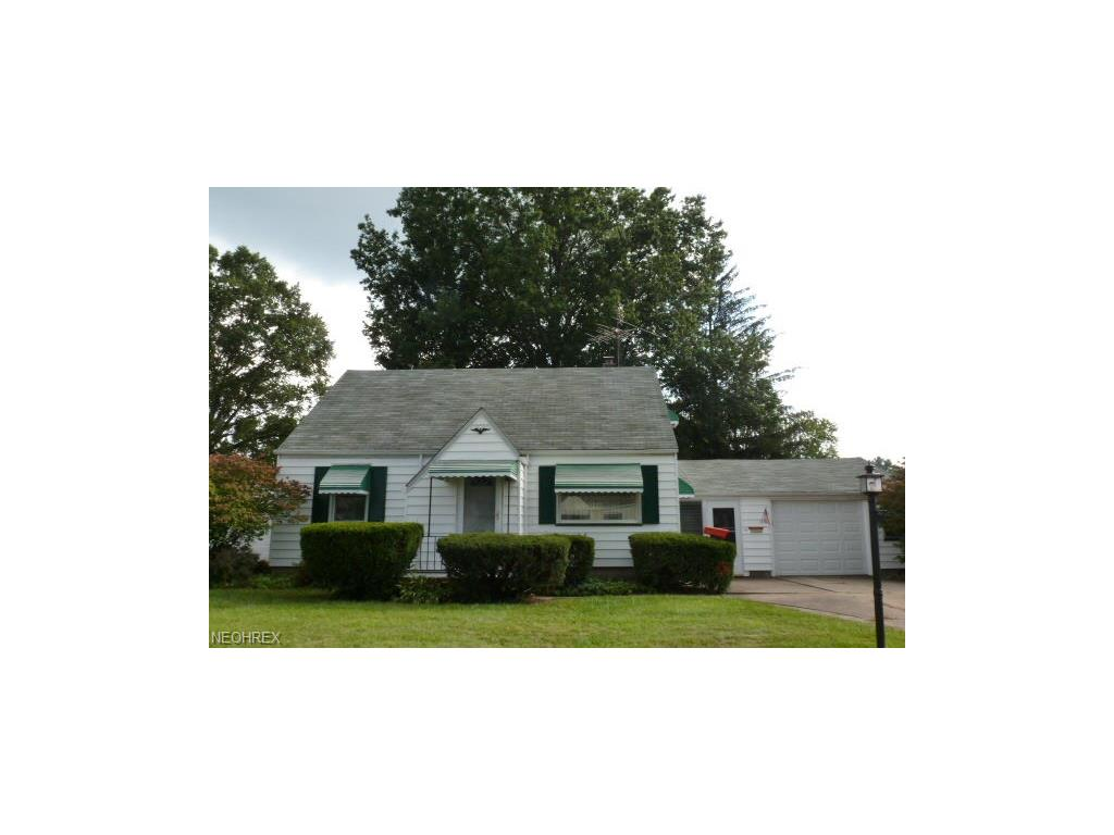 210 Omar St, Struthers, OH 44471