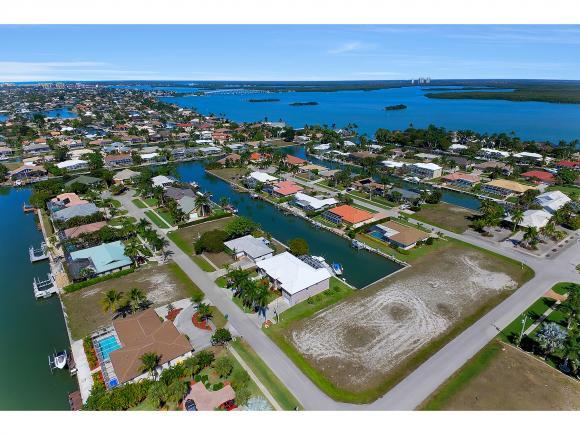 305 GRAPEWOOD 2, MARCO ISLAND, FL 34145