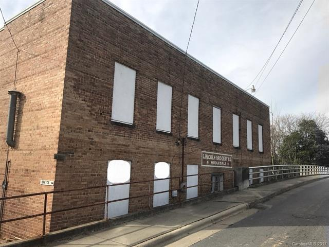 308 S Poplar Street, Lincolnton, NC 28092