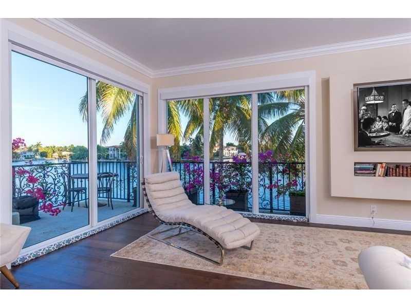 101 Holiday Dr, Hallandale, FL 33009