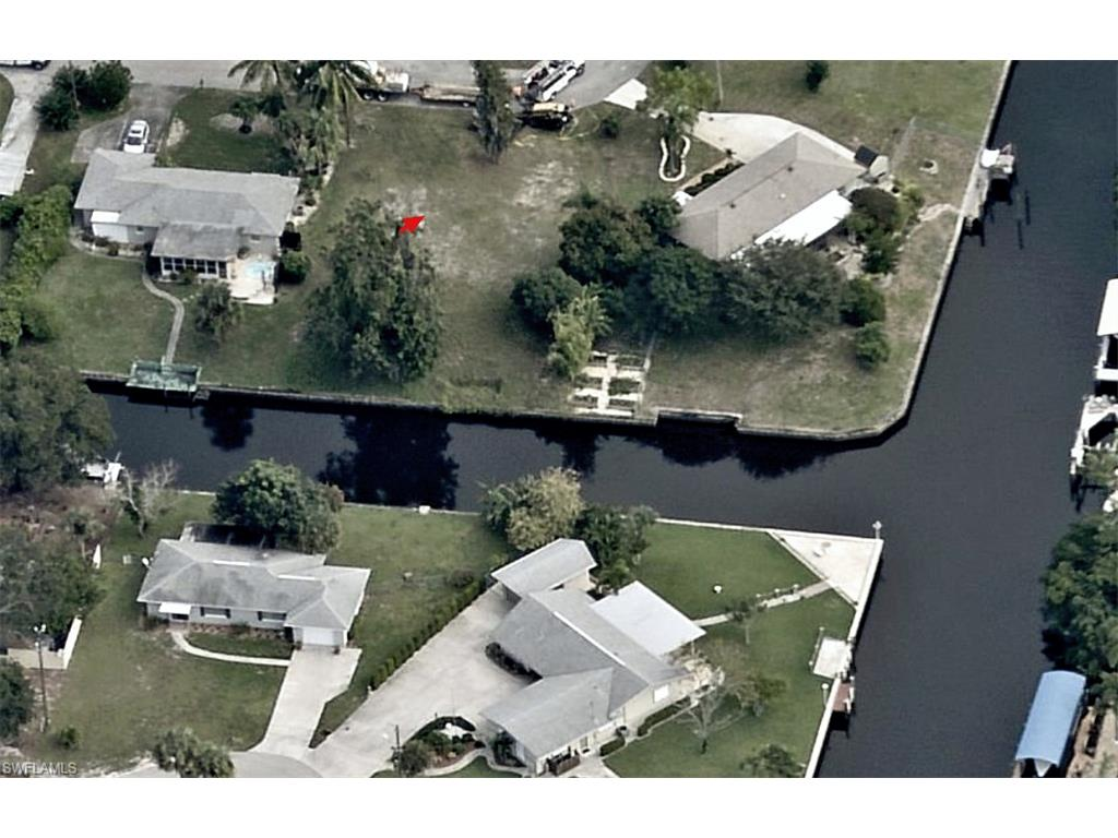 995 April LN, NORTH FORT MYERS, FL 33903