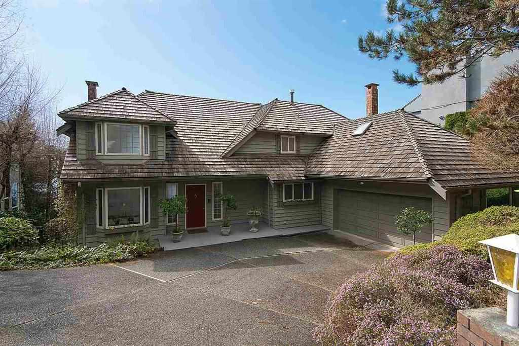2373 WESTHILL DRIVE, West Vancouver, BC V7S 2Z2