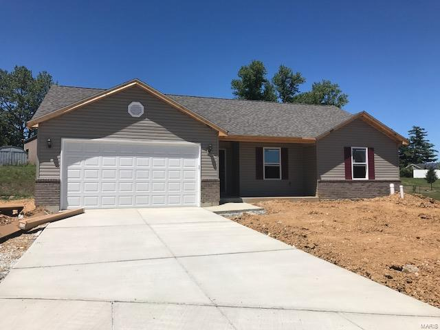 2153 Meadow Grass, Pacific, MO 63069