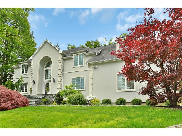 3 Pond Hollow Court, Pleasantville, NY 10570