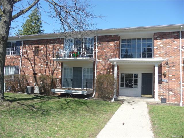 416 FOX HILLS Drive, Bloomfield Twp, MI 48304