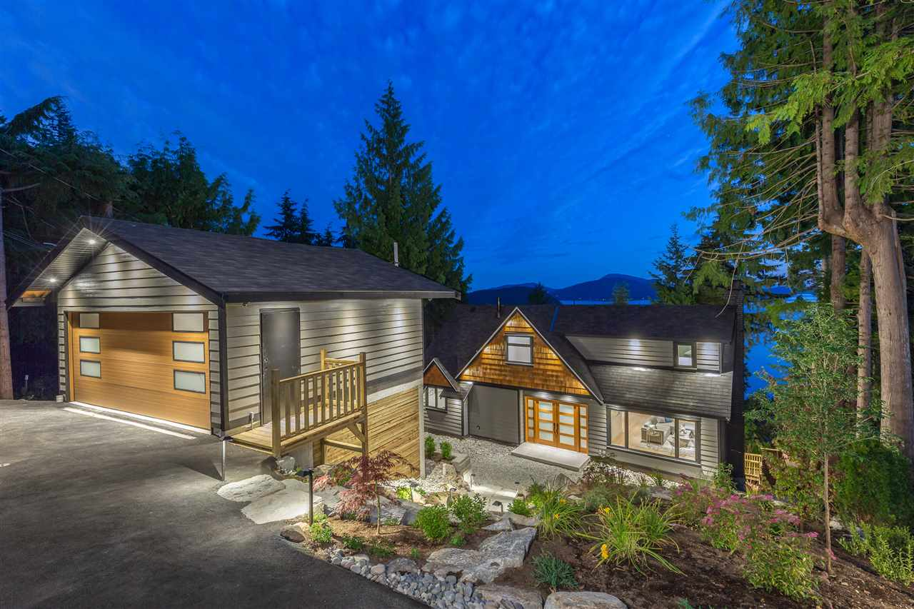 130 OCEANVIEW PLACE, Lions Bay, BC V0N 2E0