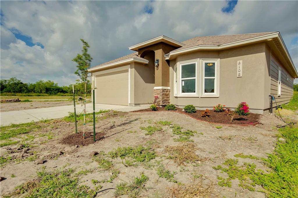 3105 Wood Creek Dr, Corpus Christi, TX 78410