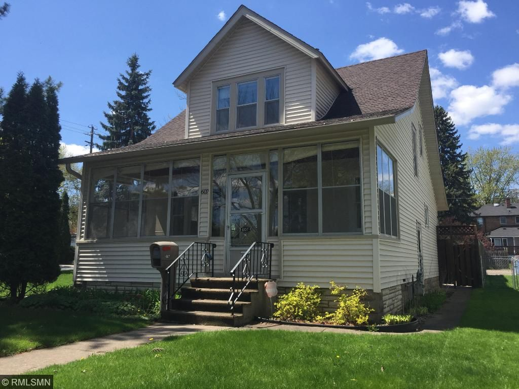 607 10th Avenue N, South Saint Paul, MN 55075