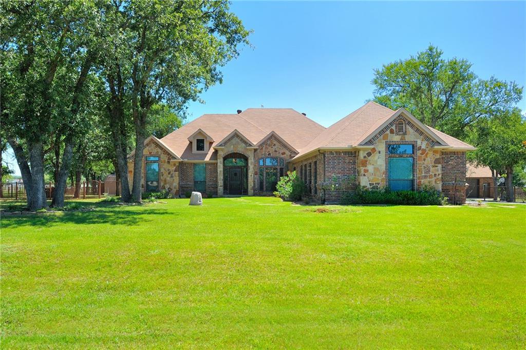 190 Foxpointe Circle, Weatherford, TX 76087