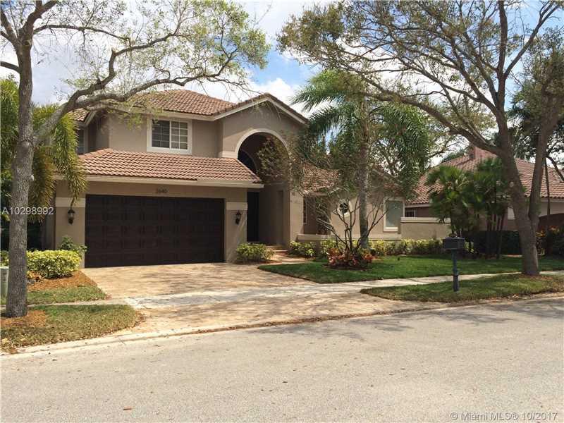 2640 Oakbrook Ln, Weston, FL 33332