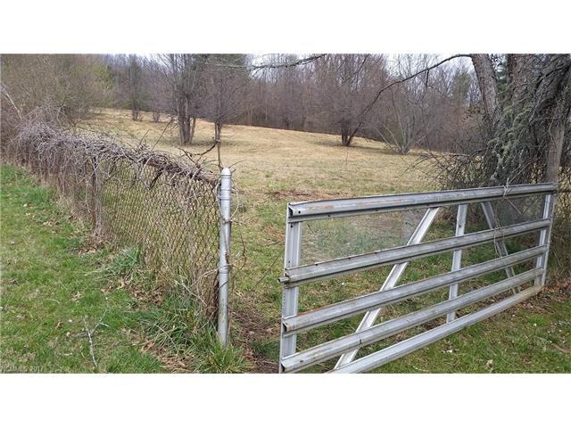 Approximately 1.4 acres just outside of Laurel Park. No home owners association. Easy sloping grade to build a dream home. Natural gas available. City water available. Septic tank needed.