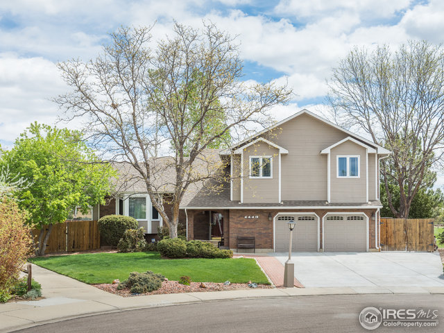 1113 Twin Peaks Cir, Longmont, CO 80503