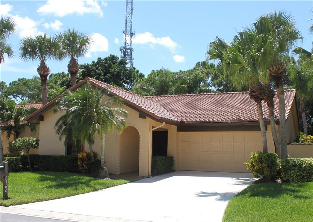 2560 SW Bobalink CT, Palm City, FL 34990