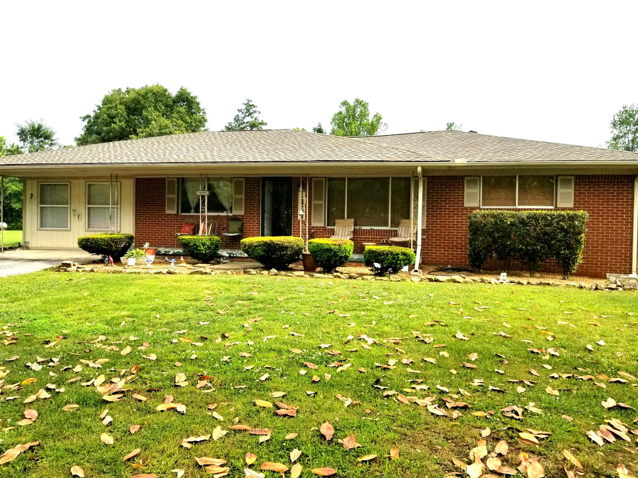 1869 R D Anderson Rd, Cookeville, TN 38506