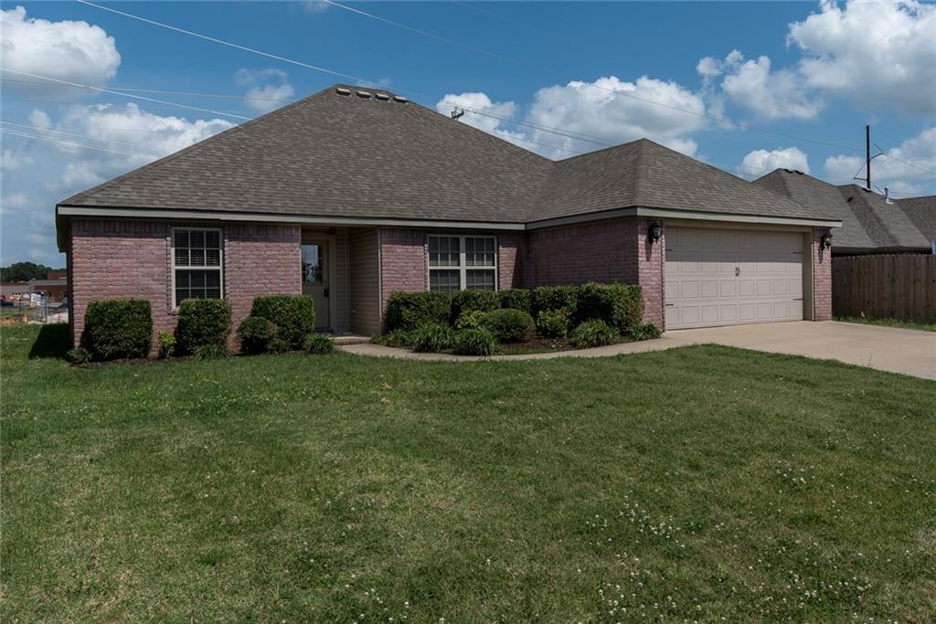 3002 SW Featherston RD, Bentonville, AR 72712