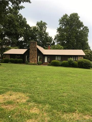 1074 Oakridge Farm Highway, Mooresville, NC 28115