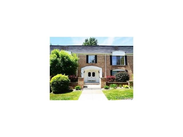 150 E LONG LAKE RD, Bloomfield Hills, MI 48304