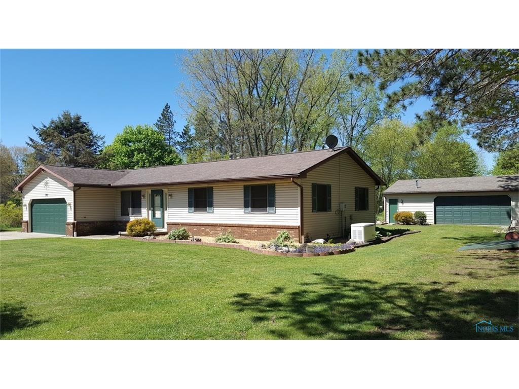 3901 Briar Lane, Swanton, OH 43558