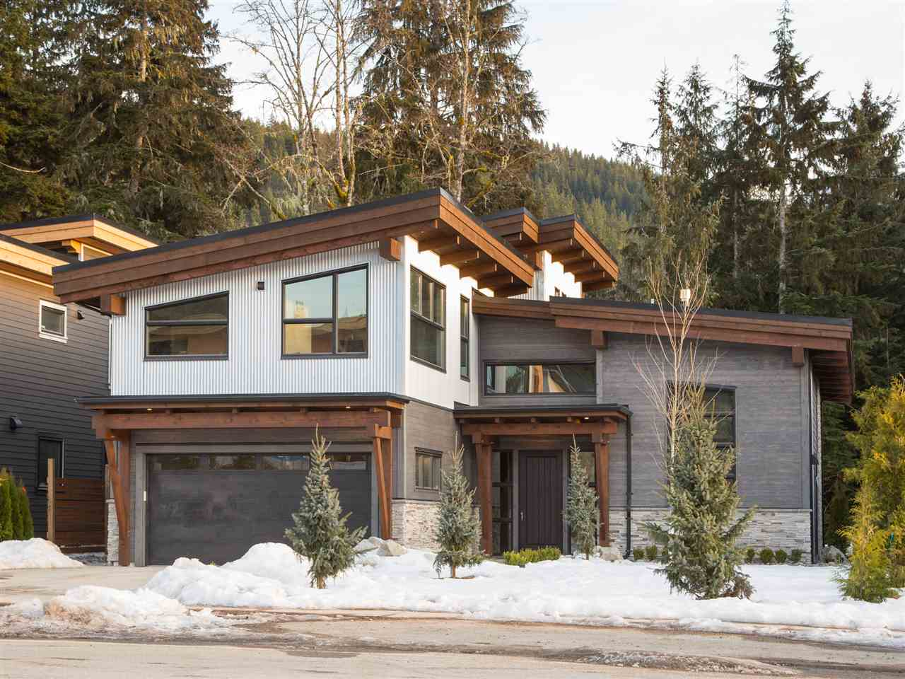 3324 MAMQUAM ROAD, Squamish, BC V0N 1T0