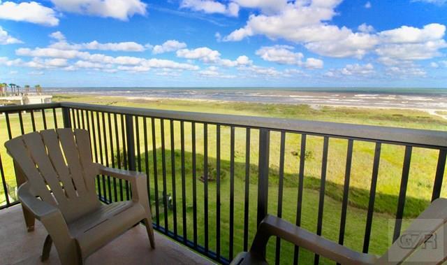 413 E Beach Dr, Galveston, TX 77550