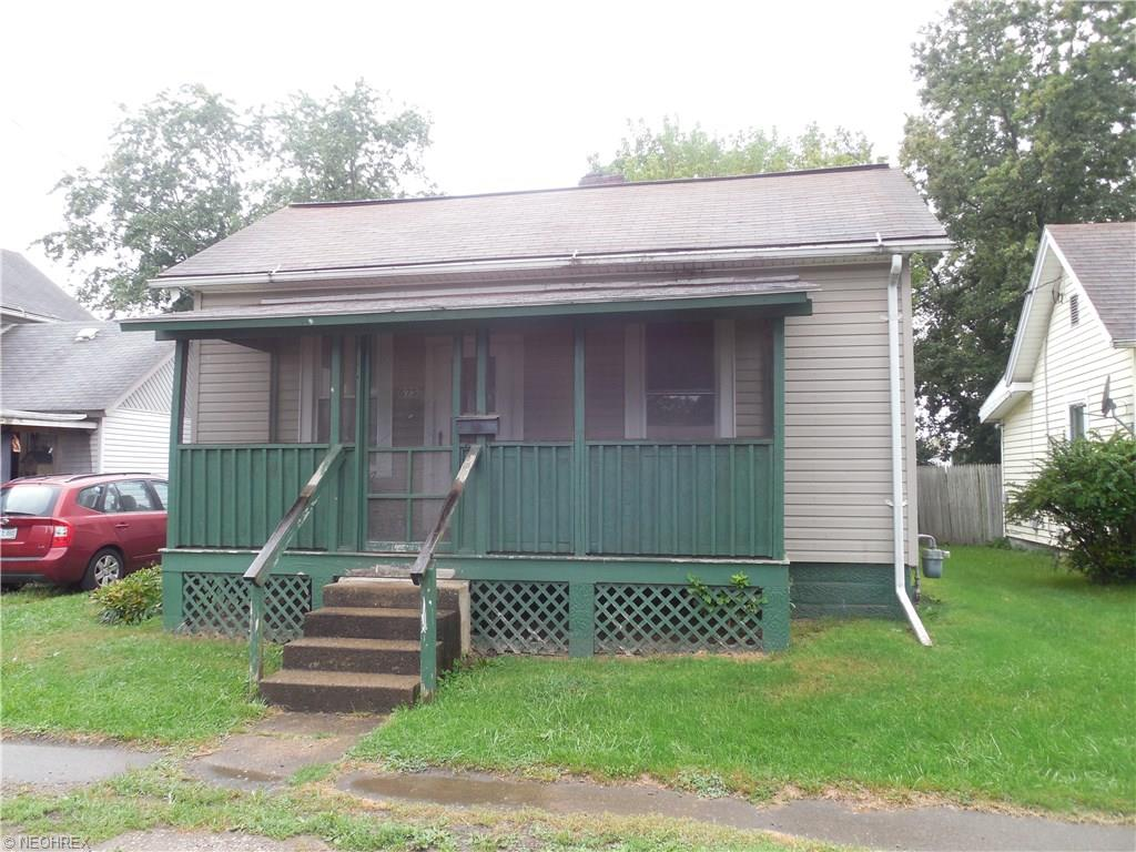 673 Wilson Ave, Coshocton, OH 43812