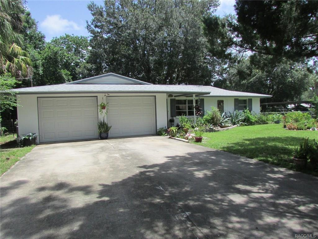 411 S Hibiscus Avenue, Crystal River, FL 34429