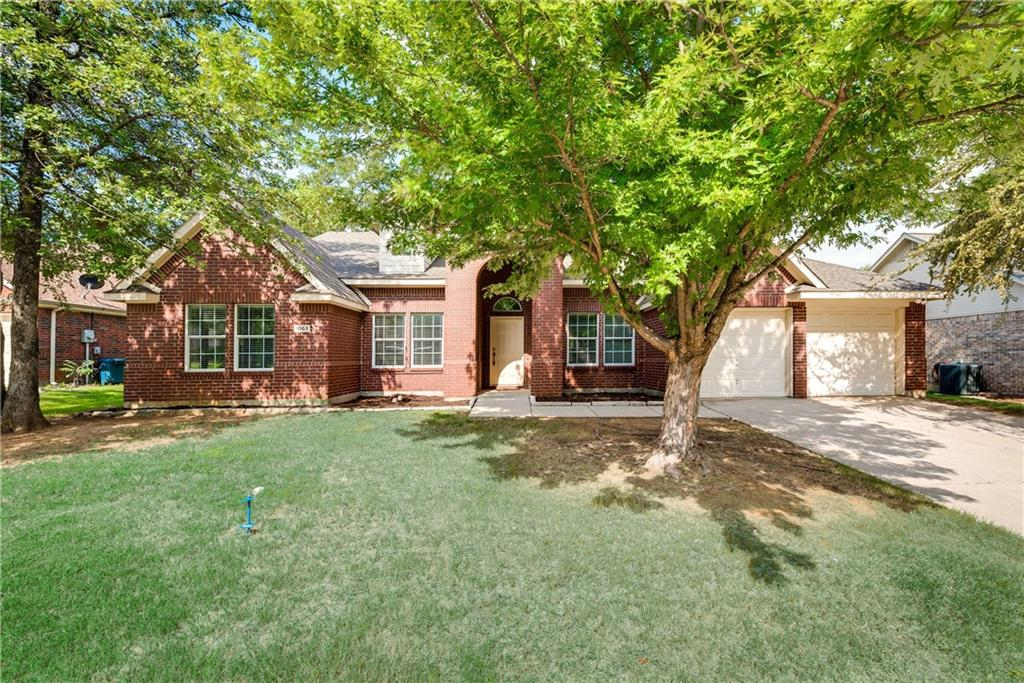 1053 Paige Street, Aubrey, TX 76227