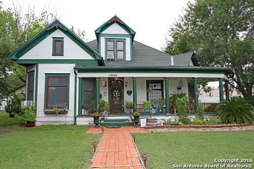 1908 AVENUE P, Hondo, TX 78861