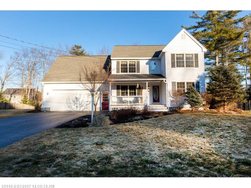 Open floor plan of this contemporary colonial in desirable Brunswick neighborhood, with hardwood floors, private deck and back yard make this home a great choice for many!  Close to major roads, beaches, shopping and more.  Kept in perfect condition and in move in ready condition!
