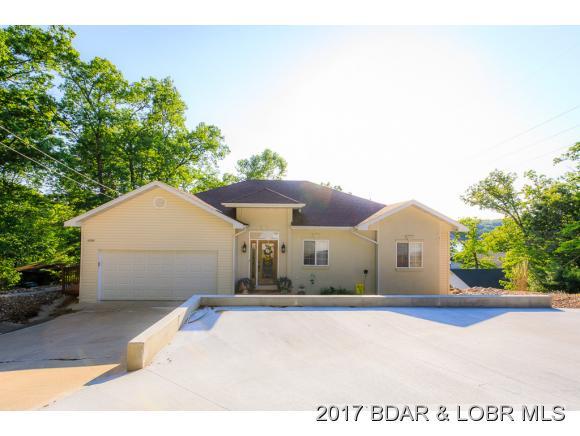 1143 Dogwood Rd, Lake Ozark, MO 65049