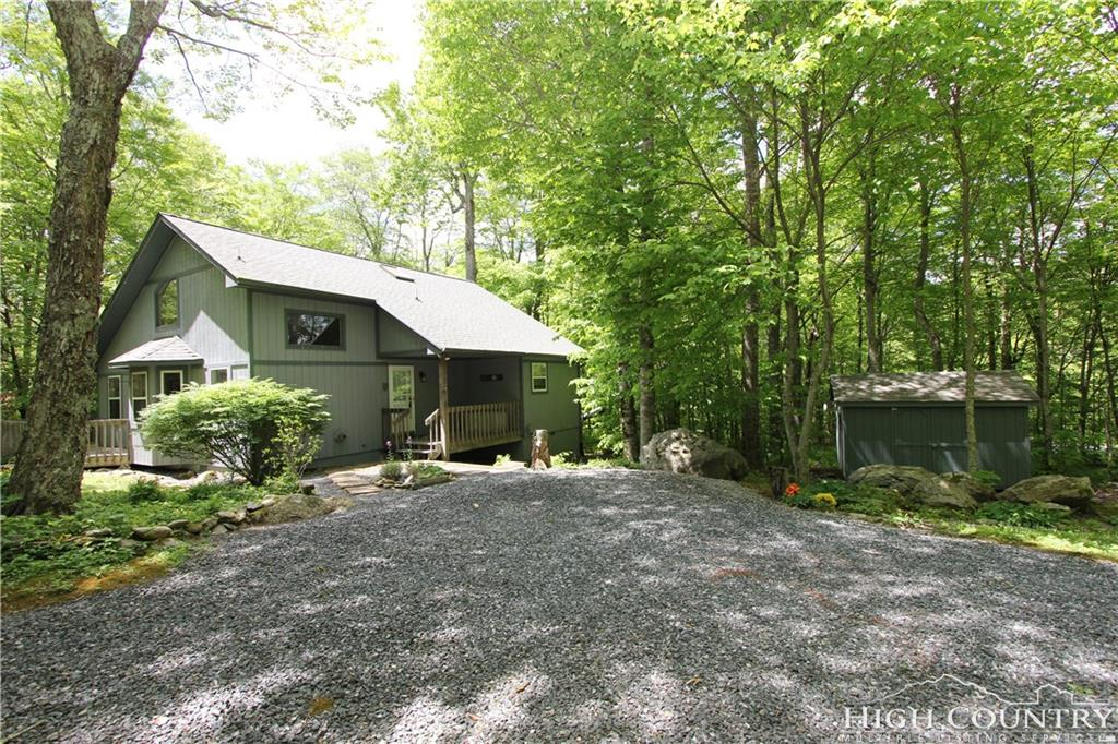 120 Rough Ridge Road, Sugar Mountain, NC 28604
