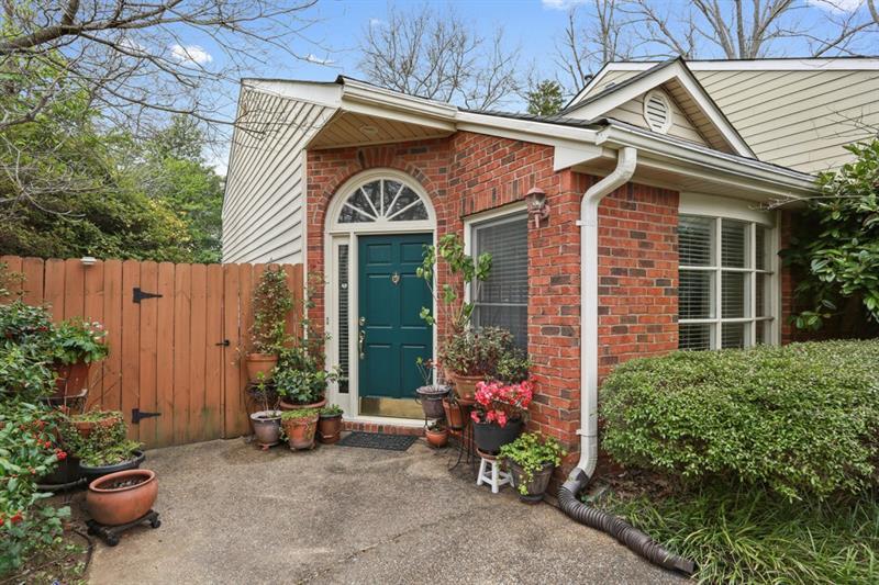 1812 Rockridge Place, Atlanta, GA 30324