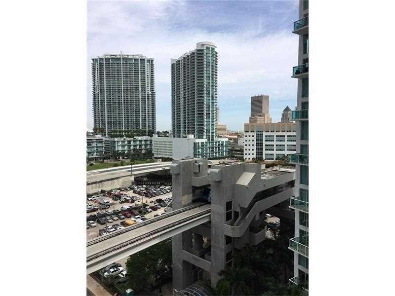 31 SE 6th St 1404, Miami, FL 33131