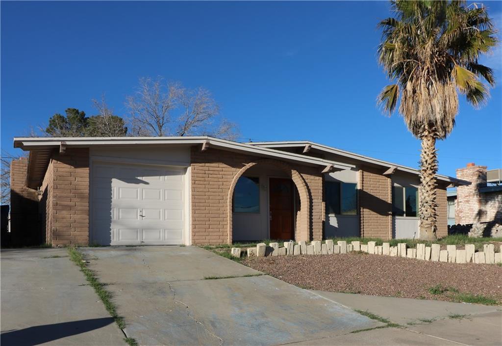 10435 Tomwood Avenue, El Paso, TX 79936