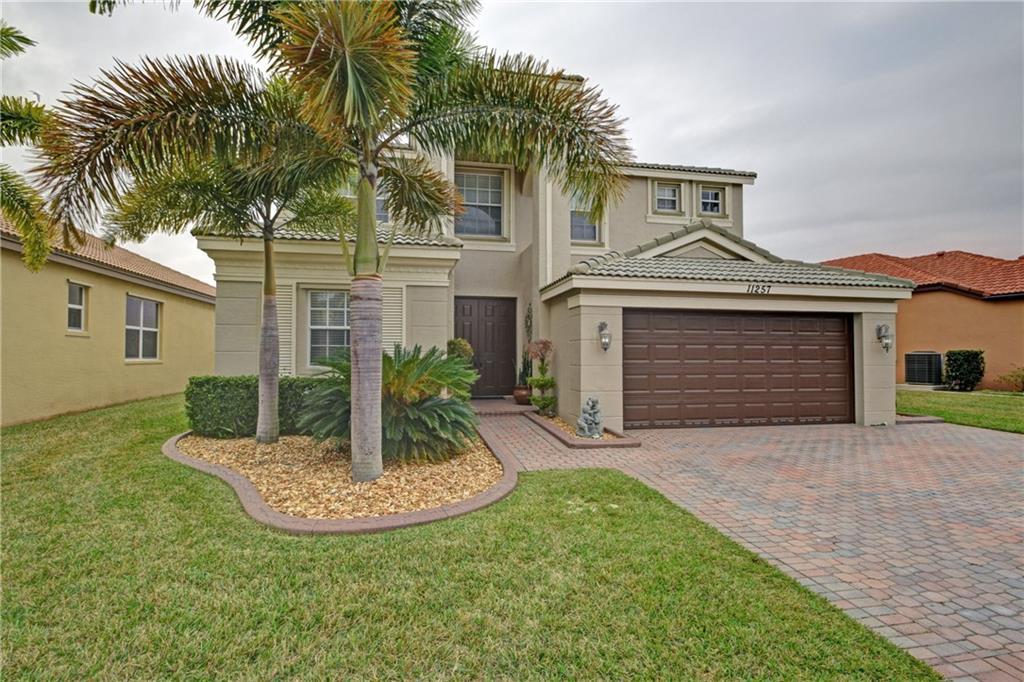 11257 SW Kingslake Circle, Port Saint Lucie, FL 34987
