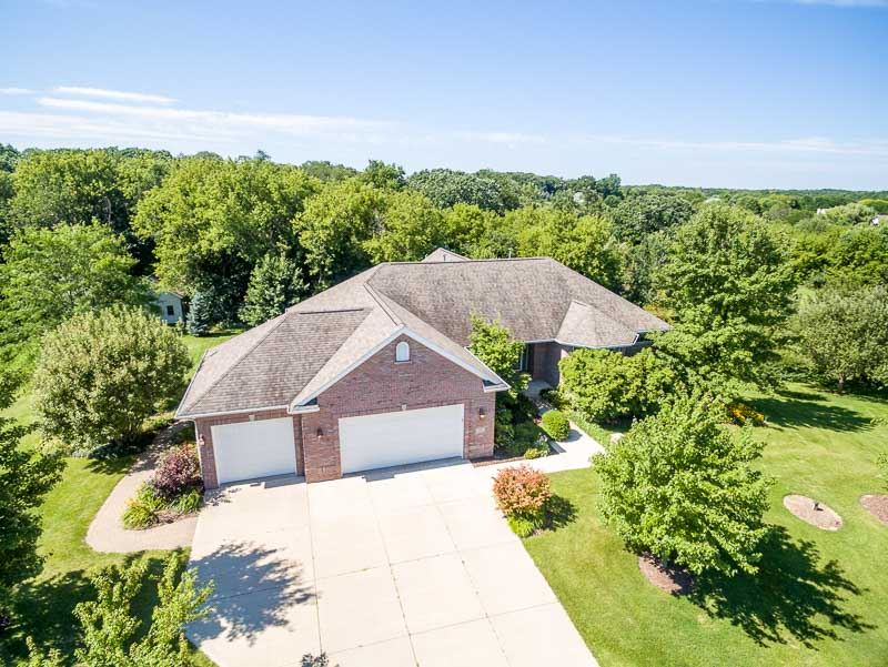 12432 Whispering Winds Drive, ROSCOE, IL 61073