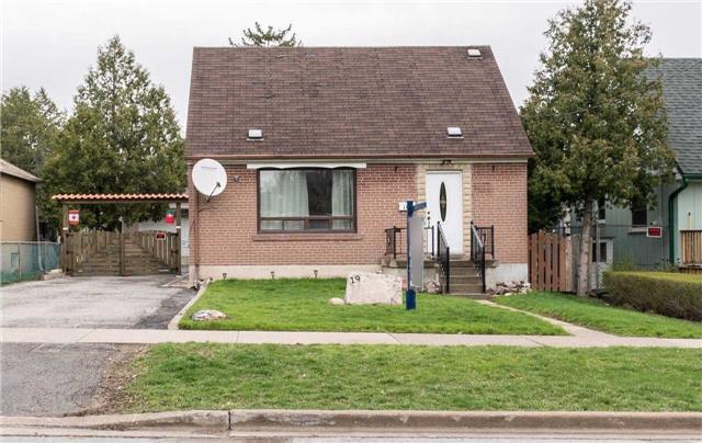 19 Hatfield Cres, Toronto, ON M9W 3R7